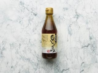 「寺岡有機醸造 白しょうゆ」の瓶(正面)