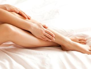カサカサ肌がツラい人必見! 足からはじめる乾燥対策で全身しっとり肌になる方法