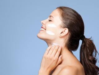 もらったスキンケアサンプル、どう使ってる?肌にぴったりの化粧品を見つける正しい使い方