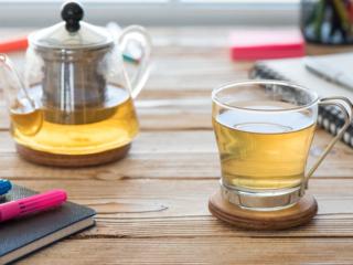 お茶とティーポット