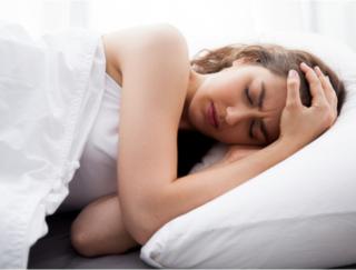 片頭痛に効くスマホアプリが登場。その効果は…?