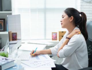 肩こりをケアすると仕事の効率が上がる!? 首まわりの運動が効果的