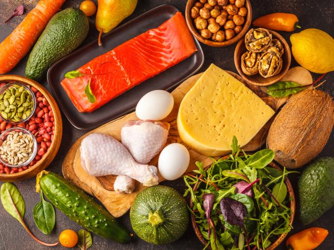 肉や魚、野菜、チーズなどの食品