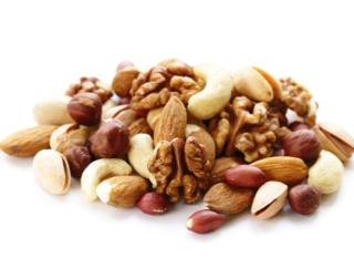 カロリーが気になるナッツ、じつは「ダイエット」にも効果! 研究で判明