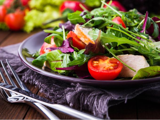 野菜が豊富なサラダ