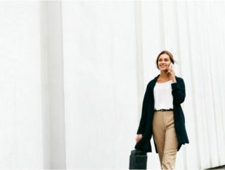 共働きが当たり前の時代、男女の幸福度はどう変わった?
