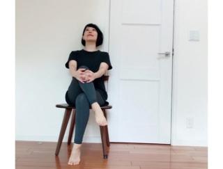 【ダンサーが教える体質改善】オフィスでできる、眠気すっきり秋バテ対策ストレッチ