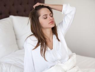 朝起きられないのは、低血圧のせい? 医師に聞く低血圧の特徴