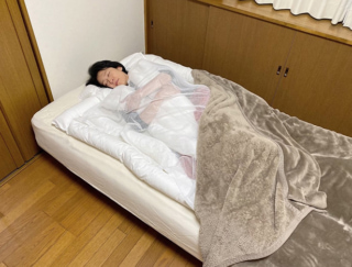 一度も起きずに朝までぐっすり!「睡眠用うどん」は魔法のうどん布団