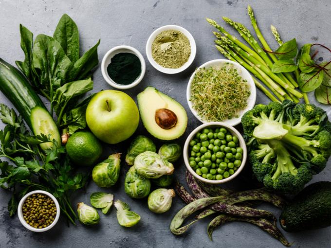アボカドやブロッコリーなどの野菜