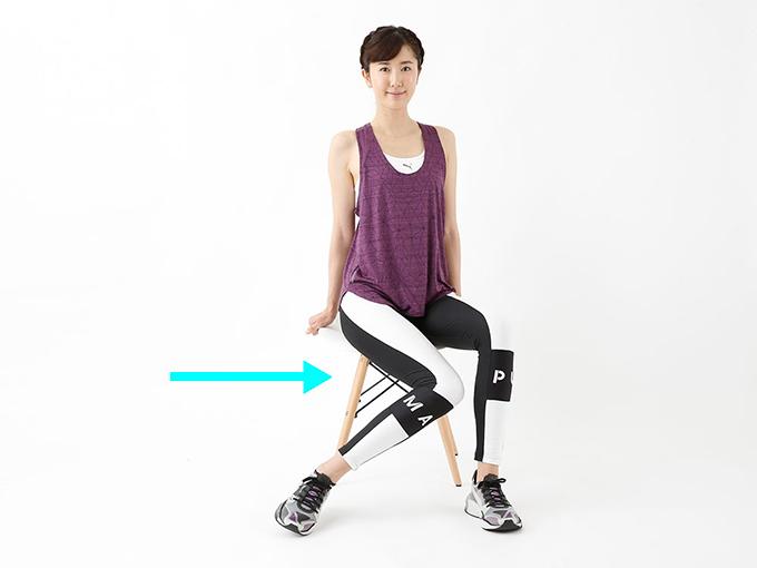 脚のむくみはこれで解消! デスクワークの合間にできるストレッチ3選