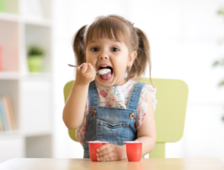 ヨーグルトと食物繊維の最強タッグであの病気を撃退! リスクを30%軽減