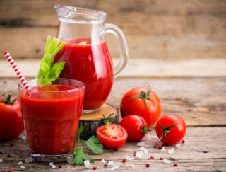 お酒の前に1杯のトマトジュース! 楽しいお酒とのつき合い方