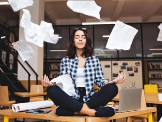 20分瞑想するだけでミスが減る!? 「仕事をはかどらせるコツ」になるかも