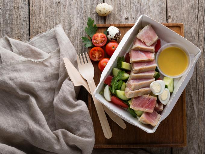 野菜とたんぱく質中心のお弁当