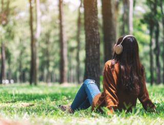 オルゴール、海、詠唱…種類豊富なリラックスサウンドを収録したアプリ「Deep Relax Sleep Music」