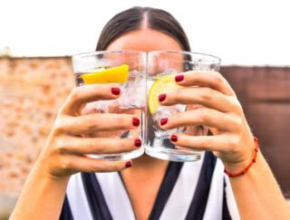 水割りよりもソーダ割りのほうが早く酔う? 悪酔いしないお酒の飲み方