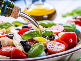乳がんリスクが減る食事パターンは? ポイントは3つの食材