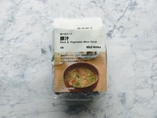 無印良品の「食べるスープ 豚汁」