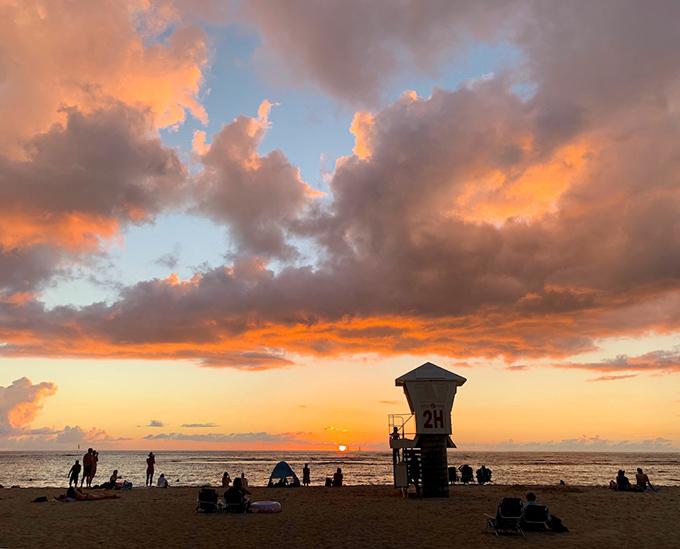 ハワイの海、夕焼け