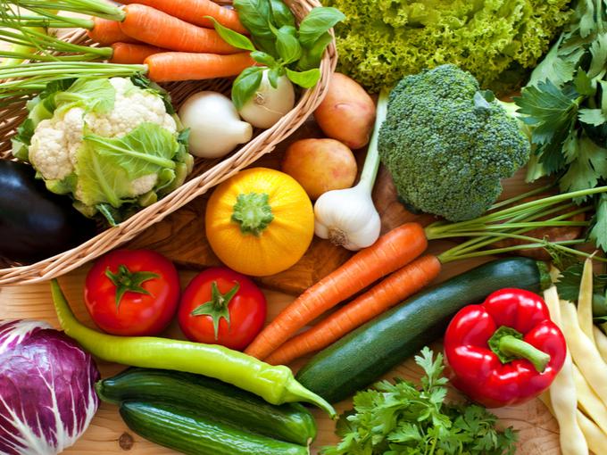 トマト、にんじん、ブロッコーリーなどさまざまな野菜