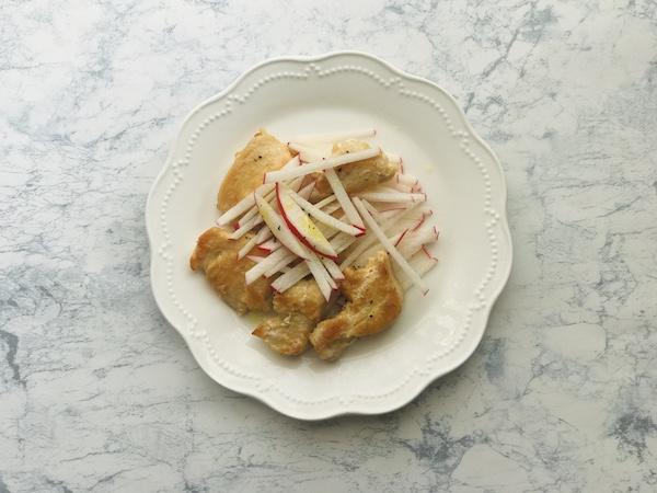 鶏むね肉のグリルサラダ