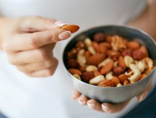 健康効果が注目されるナッツ。カロリーが高そうだけど、ダイエットには役立つの?