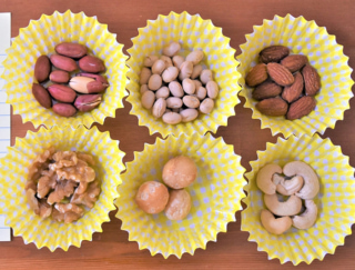 【おやつ200kcalダイエット】1粒で約30kcal?! 知って食べたいナッツのカロリー