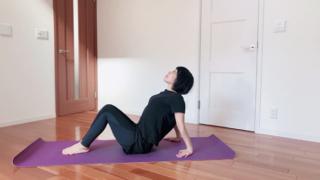 【冷え症対策】冷た~い手足がぽっかぽか! ダンサーが教える、寝る前の快眠エクササイズ