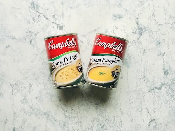 キャンベルのコーンポタージュ(左)とクリームパンプキン(右)