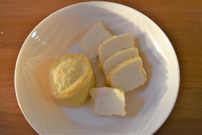 お皿に出した「おとうふ揚げ」の画像