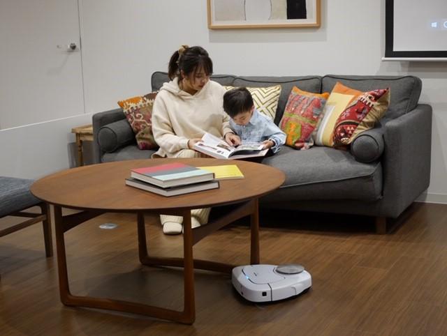 宅トレ中も安心♡ 3月発売の次世代ロボット掃除機が「登る」「よける」とにかくすごい!