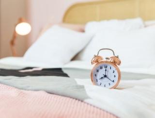 睡眠不足大国ニッポンを救う!? ぐっすり眠るためのポジティブ・ルーティン&スリープテック