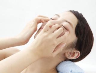 目もとの悩みを解消してー5歳! 美容整体師が教える「眼輪筋マッサージ&トレーニング」