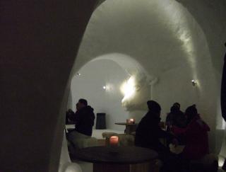 いつか訪れたい。冬季限定! 氷の家「イグルー」で本場スイスのチーズフォンデュを体験!