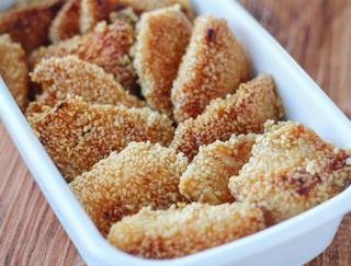 プチプチ食感と香ばしい風味がやみつきに! 「鶏むね肉のごま焼き」 #今日の作り置き