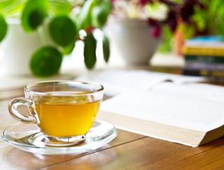 お茶を飲む習慣がある人ほど健康で長生き。特に緑茶で効果大!