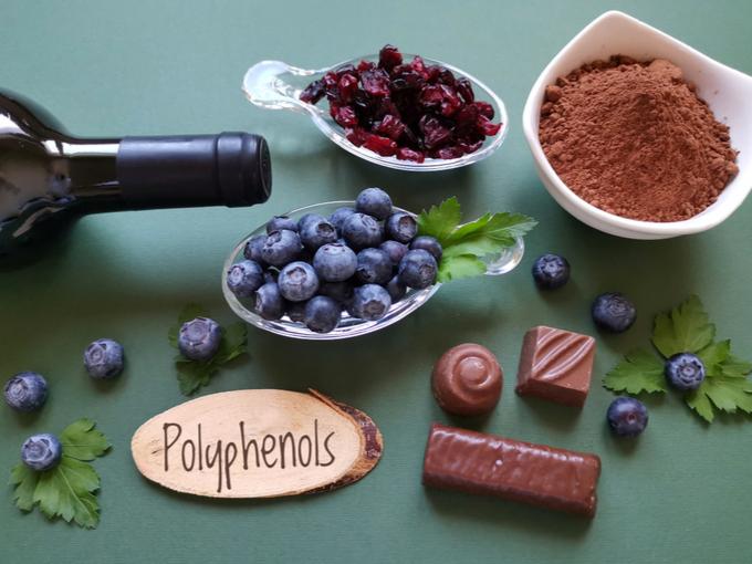 ブルーベリーやチョコレートなどのポリフェノールを含む食材