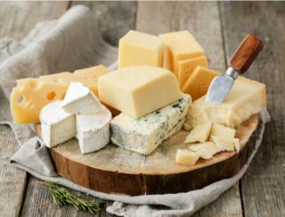 チーズは血管にいい? 高塩分食のデメリットを打ち消す効果があるかも