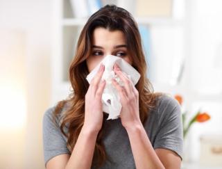 花粉症に悩む女性は7割越え! 気になるセルフケア方法や注目アイテムをリサーチ!