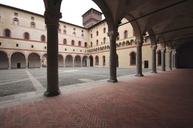 スフォルツェスコ城3
