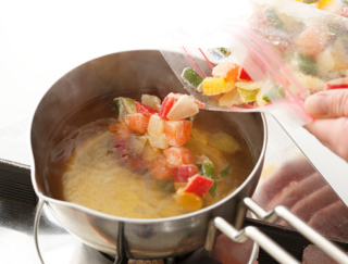 野菜を時短でプラス!冷凍保存もできる、自家製ミックス野菜3選