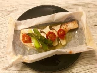 包んで焼くだけの簡単レシピ♪「サーモンと野菜の包み焼き」 #今日の作り置き