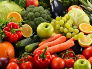 フルーツと野菜の山