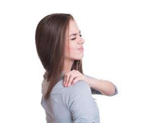 頭痛、肩こり、耳鳴り、めまい……これだけある「天気痛」の主な症状とは