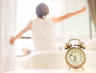 朝15秒で快眠体質!「眠れない」「起きられない」を解消する朝習慣とは!?