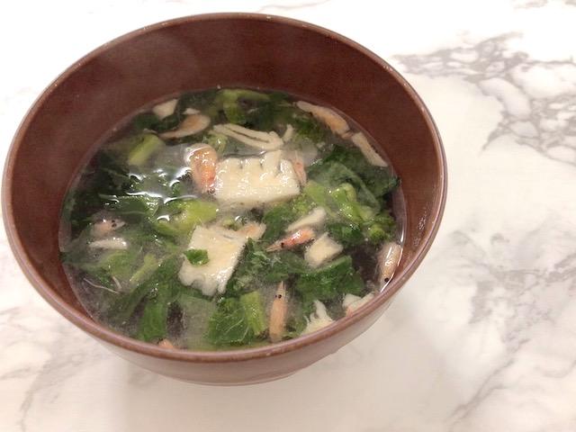 お椀に作った無印良品のスープ