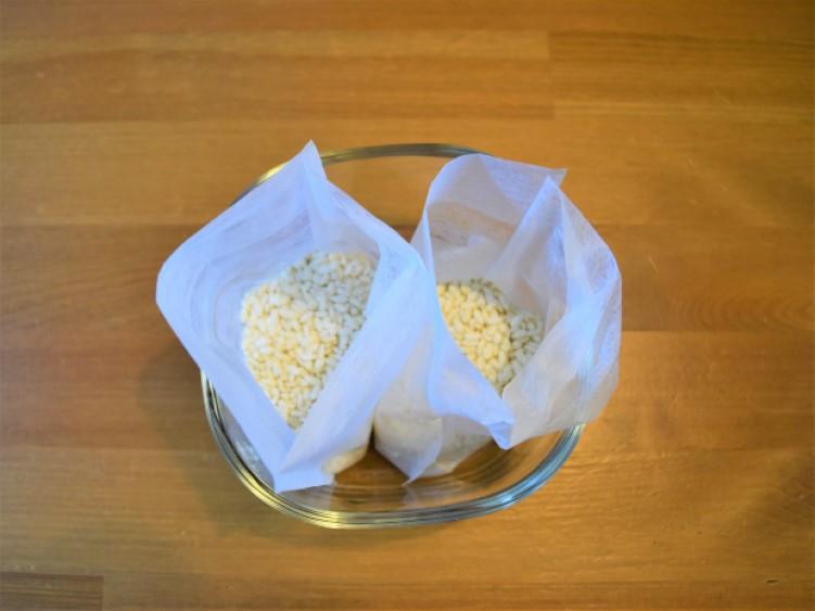 お茶パックに入れた米こうじの画像