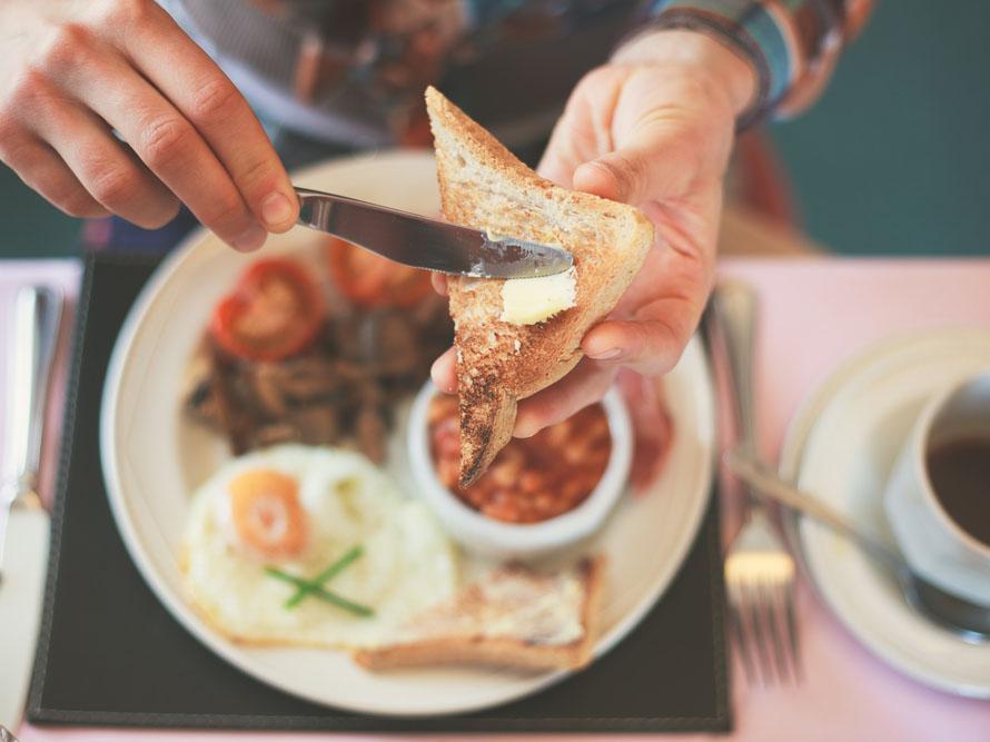 朝食をとって体温を上げ、活動モードにスイッチオン!