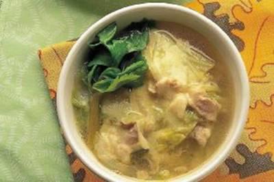 キャベツと豚肉のチーズスープの画像
